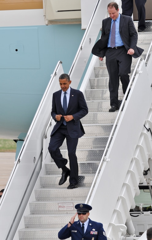 BUCKLEY AIR FORCE BASE, Colo. -- President Barack Obama makes his way down the staircase after landing here May 23, 2012. Obama made a public appearance and left Buckley a short time afterward. (U.S. Air Force photo by Senior Airman Christopher Gross)