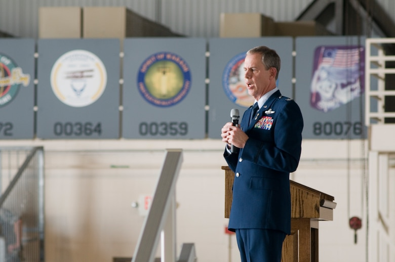 "GRISSOM AIR RESERVE BASE, Ind. -- Retired Col. Ronald Farris addresses guests at the retirement ceremony for Col. William T. ""Tim"" Cahoon, 434th Air Refueling Wing commander May 20 at Grissom. Cahoon retired after nearly 35 years of service in the Air Force. (U.S. Air Force photo/Senior Airman Andrew McLaughlin)"