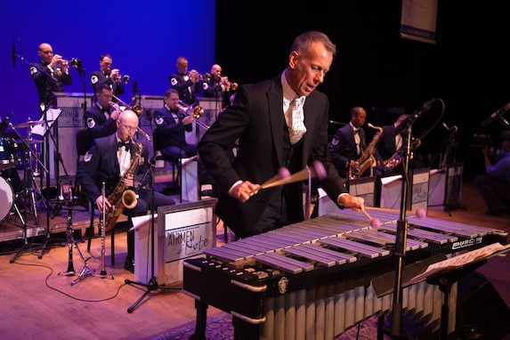 Guest Artist Joe Locke  performs with the Airmen of Note on the Nov. 9, 2012 Jazz Heritage Series concert (Photo by Rob Mesite)