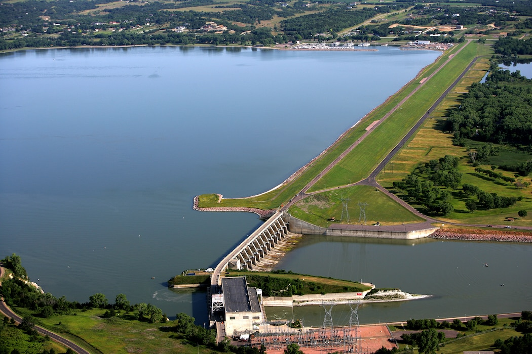Aerial view of Gavins Point embankment, spillway and powerplant
