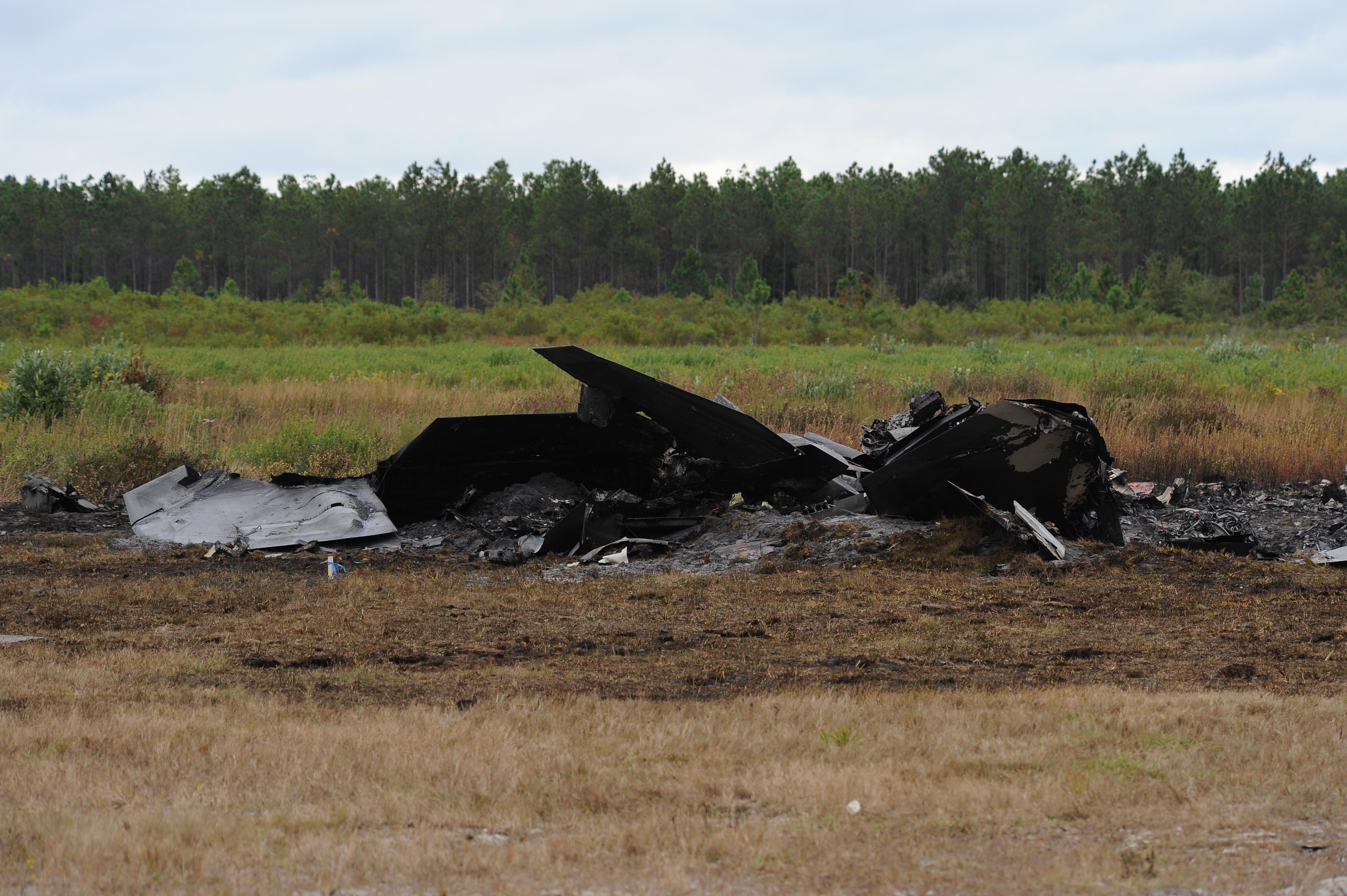 Initial F-22 crash photos > Tyndall Air Force Base > Article Display