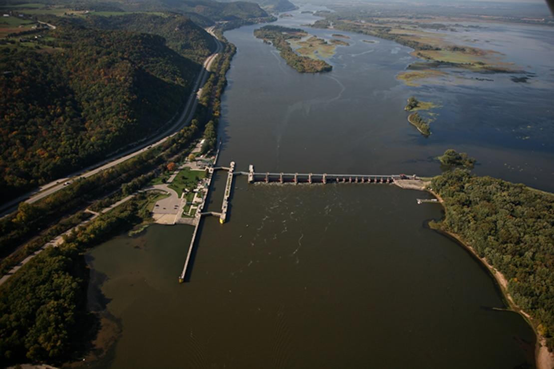 Lock and Dam 7, La Crescent, Minn. Upper Mississippi River mile 702.5