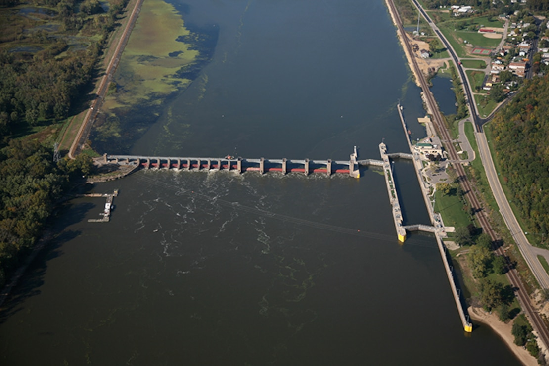 Lock and Dam 8, Genoa, Wis. Upper Mississippi River mile 679.2