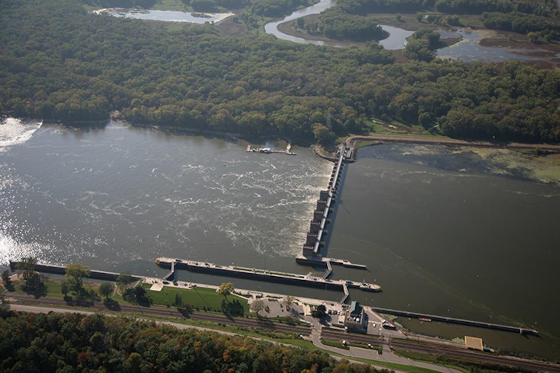 Lock and Dam 8, Genoa, Wis. Upper Mississippi River mile 679.2