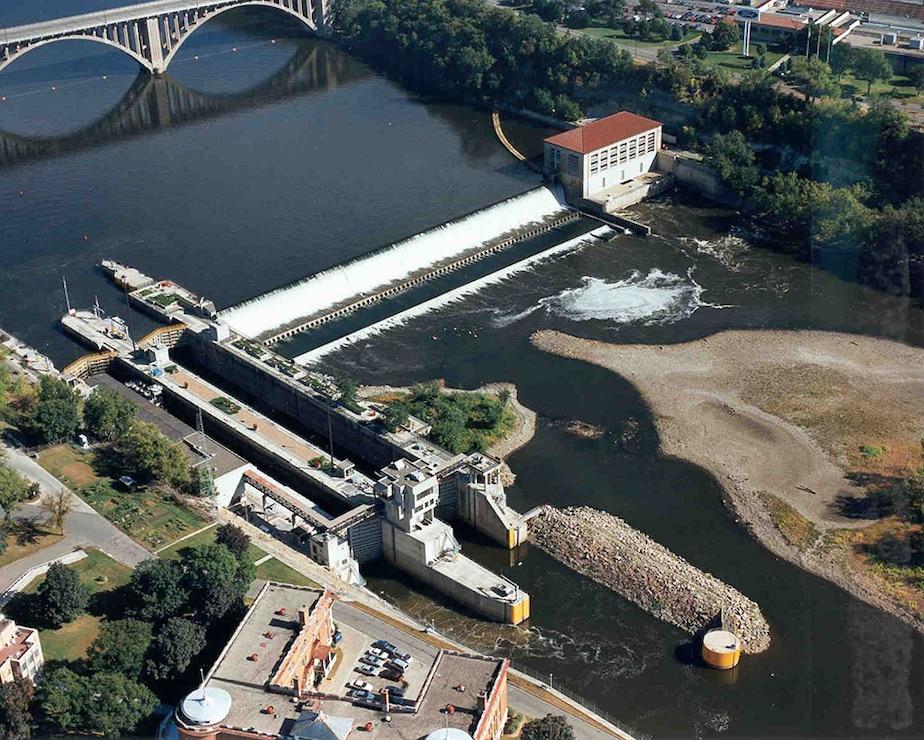 Aerial photo of Lock and Dam 1