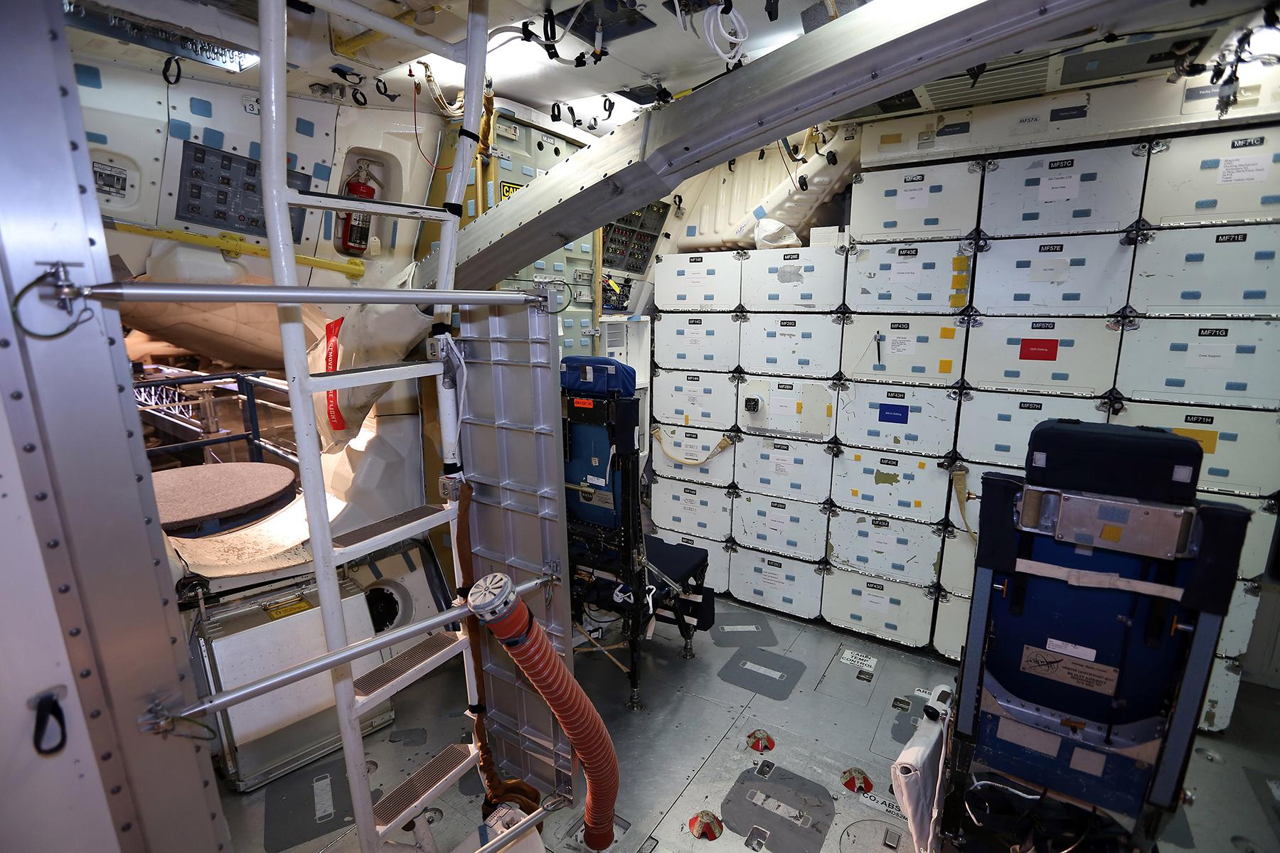 space shuttle cabin crew - photo #25