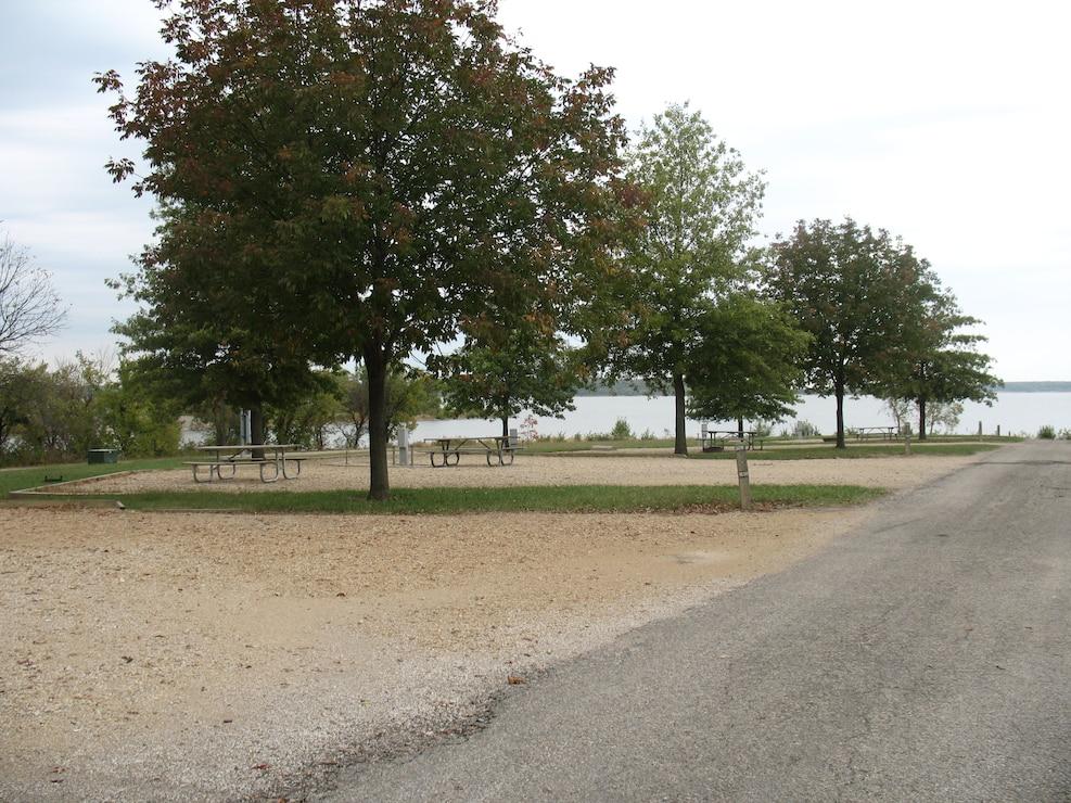 Peninsula Point Campground