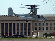 Osprey lands at Pentagon
