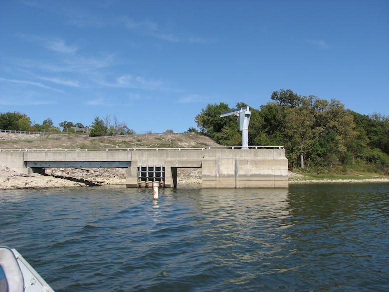 Longview Lake dam