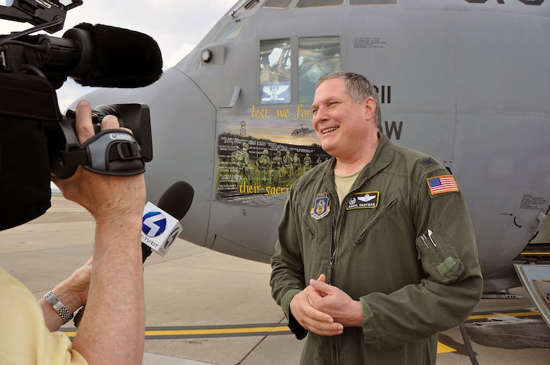 Final flight makes headlines > Pittsburgh Air Reserve Station