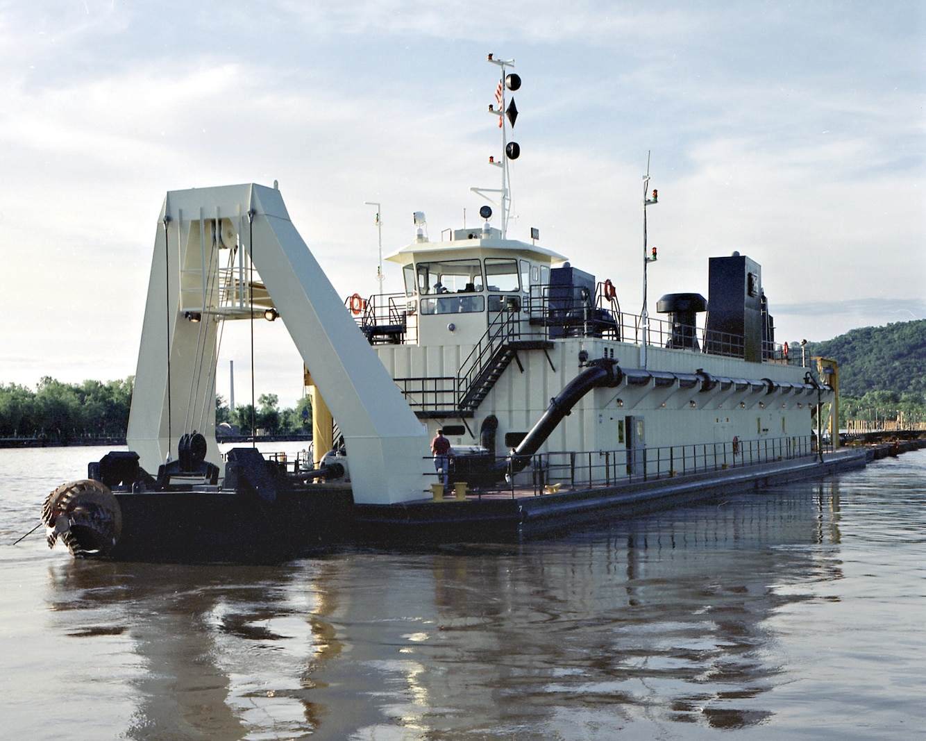 The Dredge Goetz, owned by the U.S. Army Corps of Engineers St. Paul District, is 225 feet long by 39 feet wide and eight feet deep, with a five-foot draft.