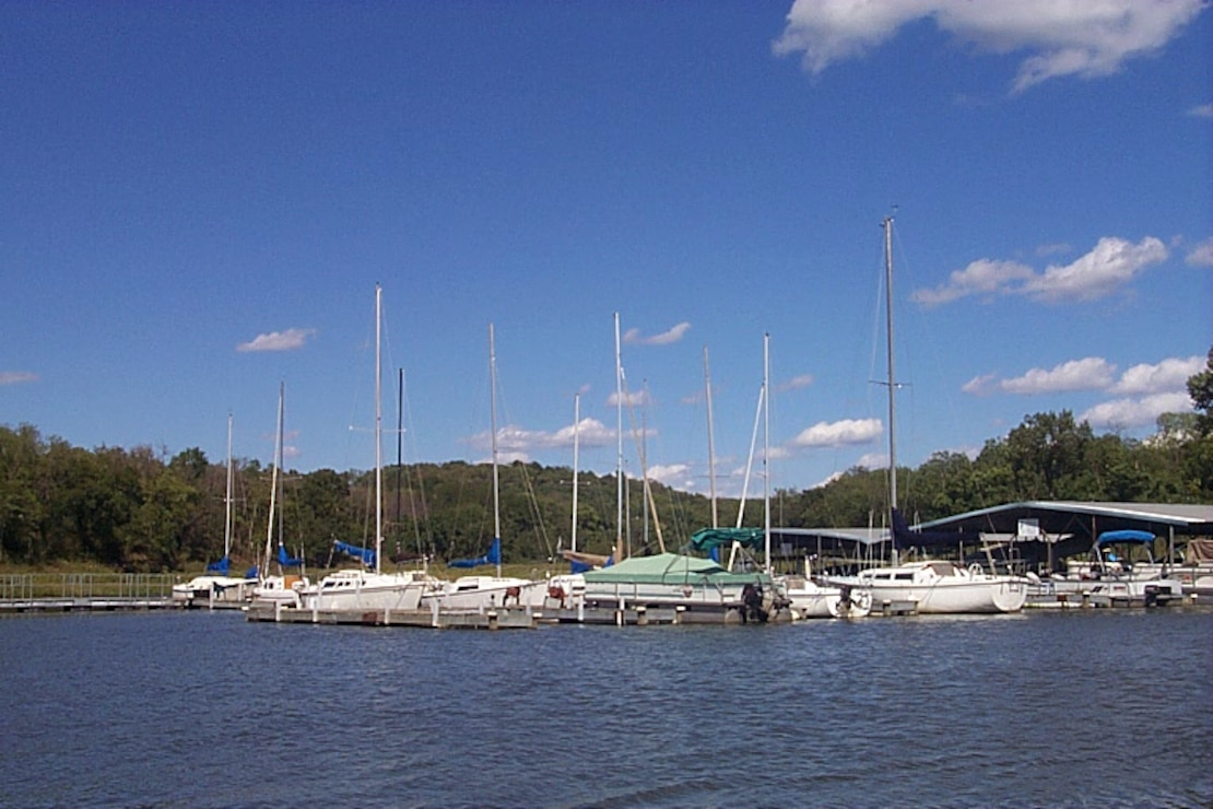 Perry Lake Yatch and Marina