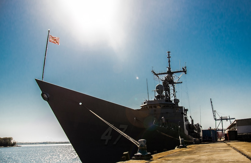 The guided missile frigate USS Nicholas (FFG 47), made a routine port visit to Charleston, S.C., Sept. 20 through 24, 2012. The Nicholas is home ported in Norfolk, Va. (U.S. Air Force Photo / Airman 1st Class Tom Brading)