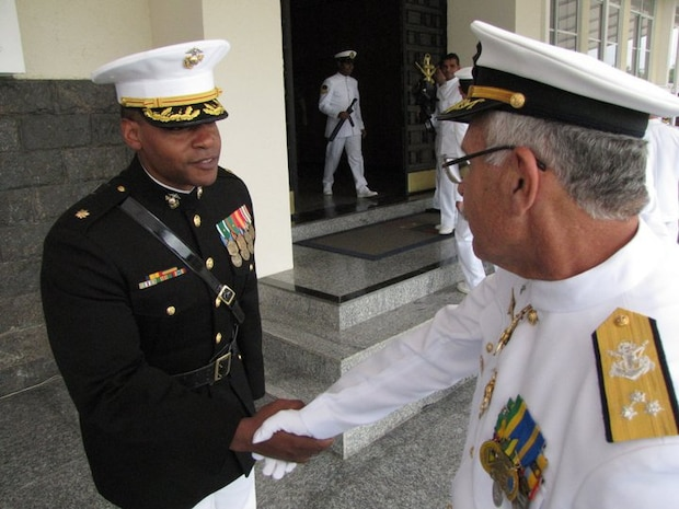 BRAZIL - Maj Bakion, an ET LATAM FAO, meeting a new Braziliam Commander