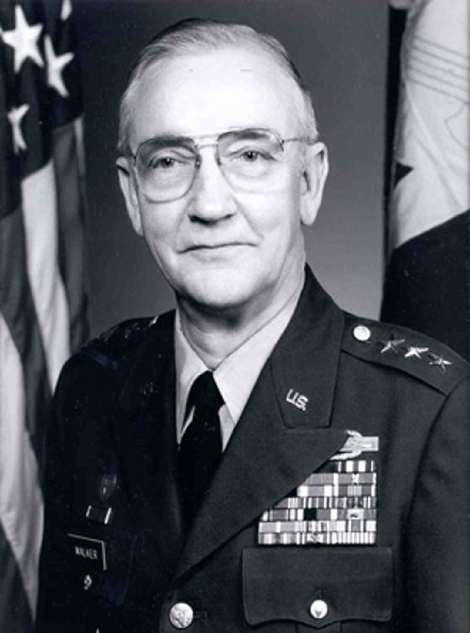 Former national guard bureau chief lt gen emmett walker for Bureau chief
