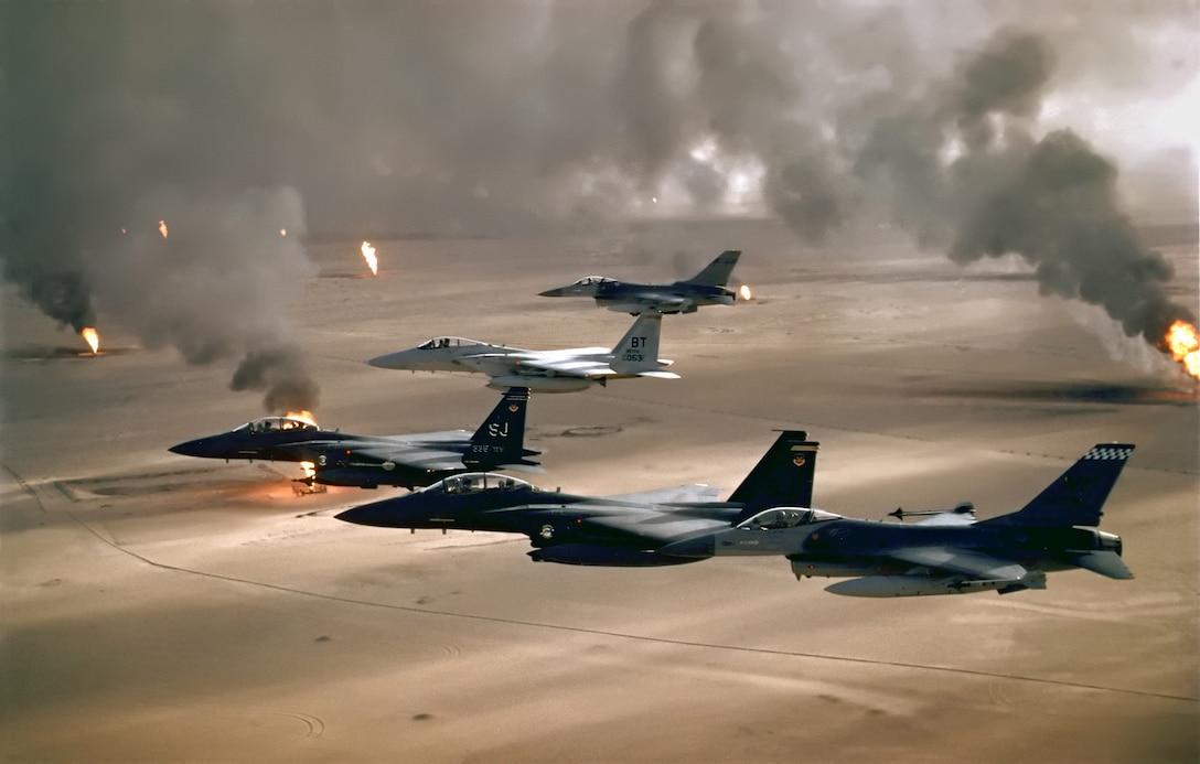 F-16A, F-15C and F-15E flying during Desert Storm. (U.S. Air Force photo)
