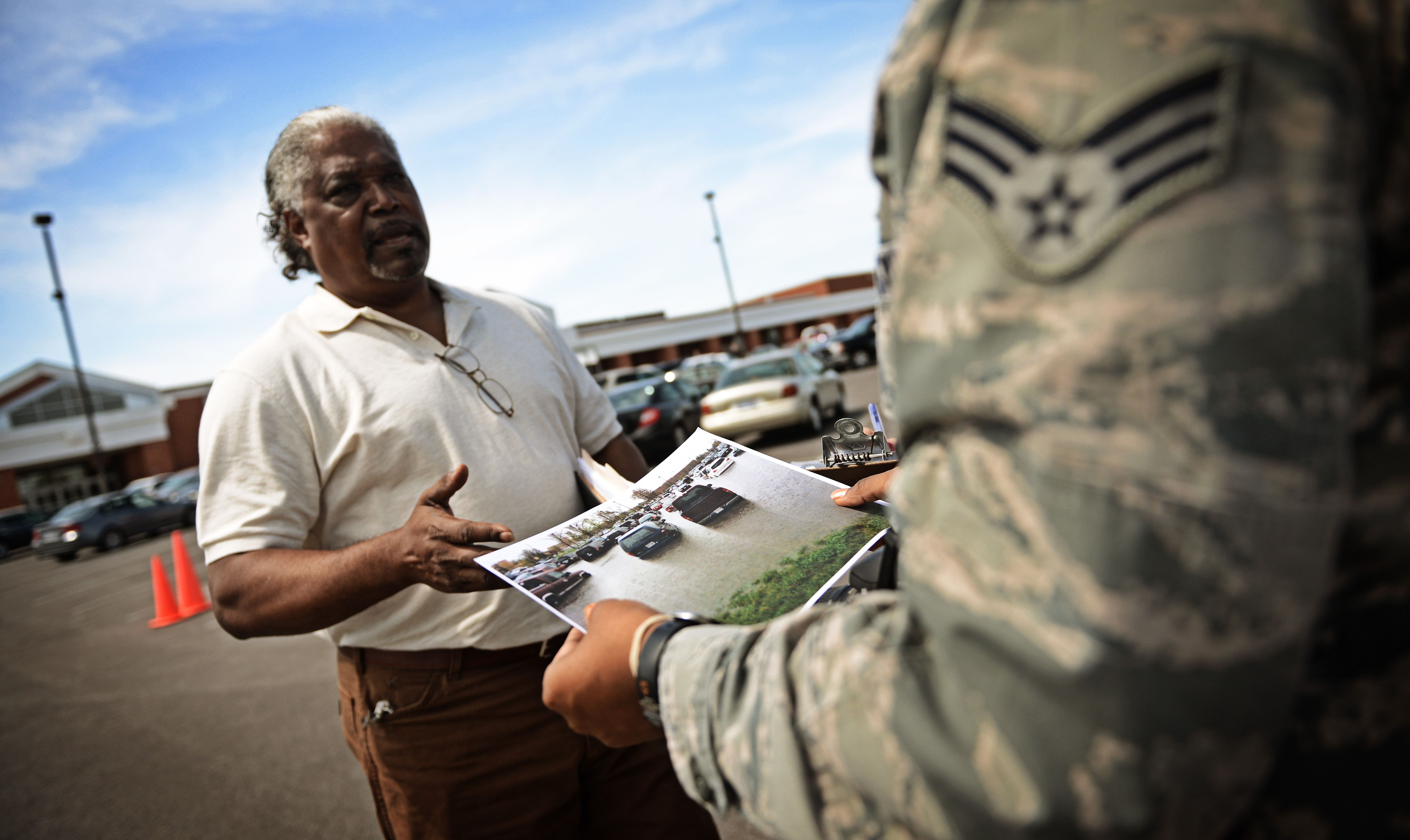scott air force base christian personals Similarly to scott, wright-patterson air force base in ohio enjoys low housing costs, a large commissary, a huge 300-bed medical center, and a large exchange with a mall and a shoppette.