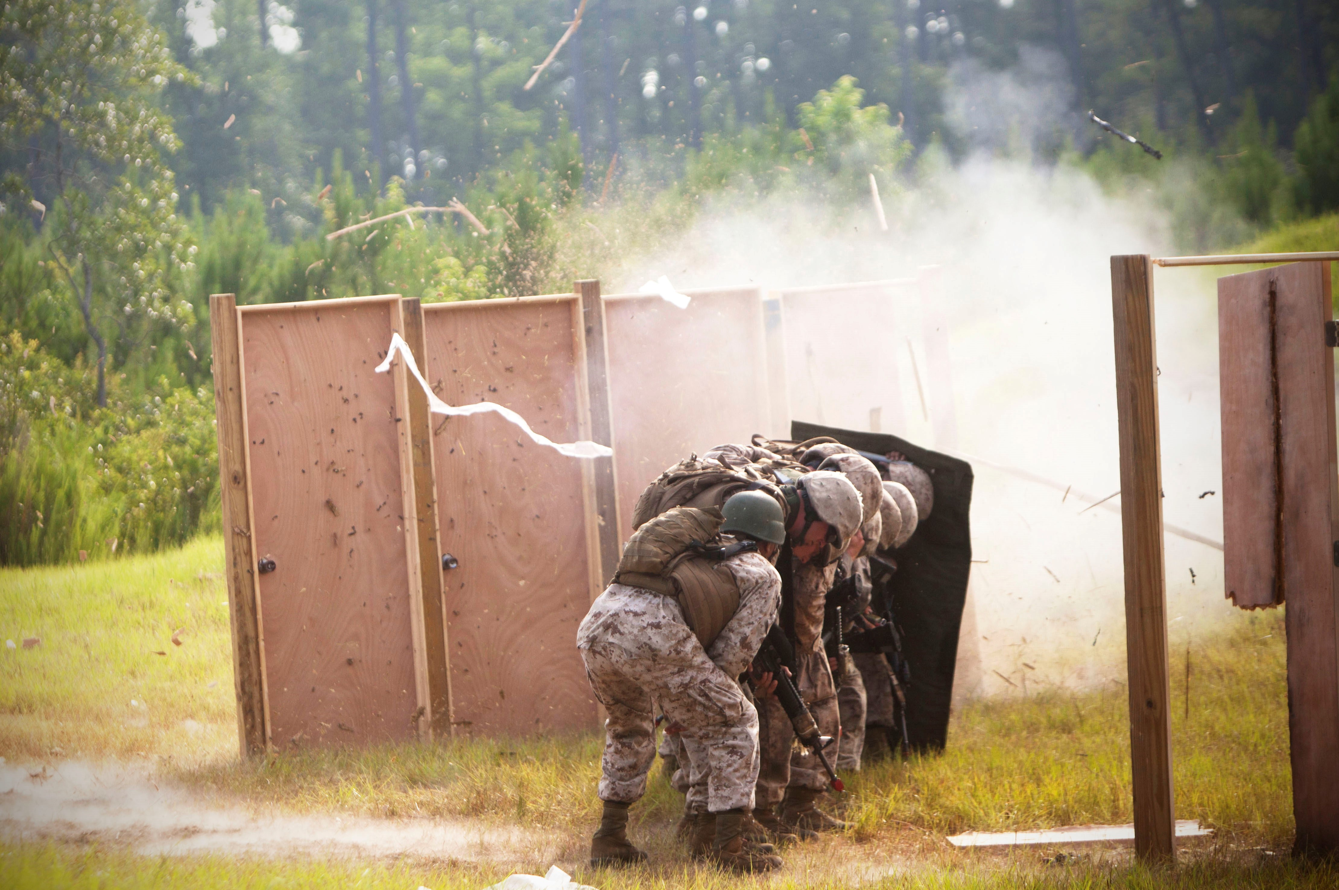 2nd 4th CEB and 8th ESB Marines participate in Sapper Leaders