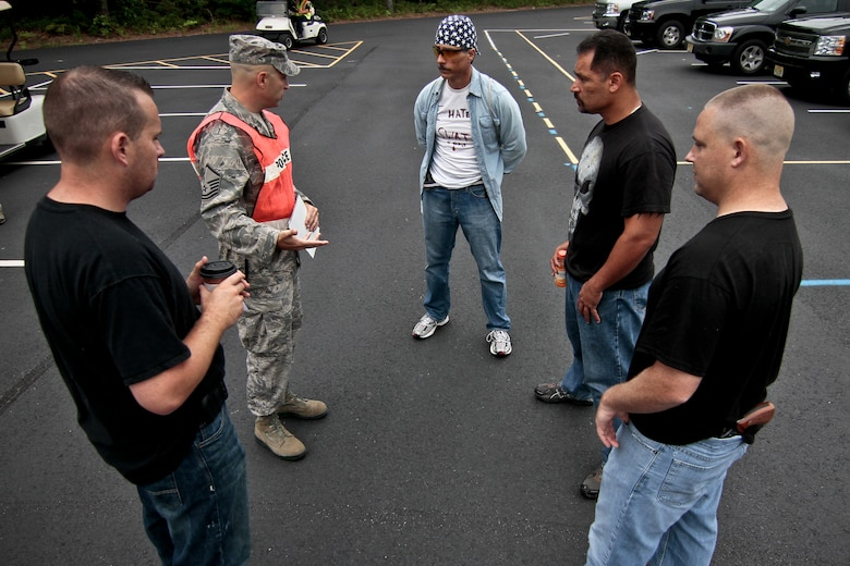 A picture of U.S. Air Force Master Sgt. Joe Iacovone briefing opposing forces members before the annual Atlantic County crisis response exercise.