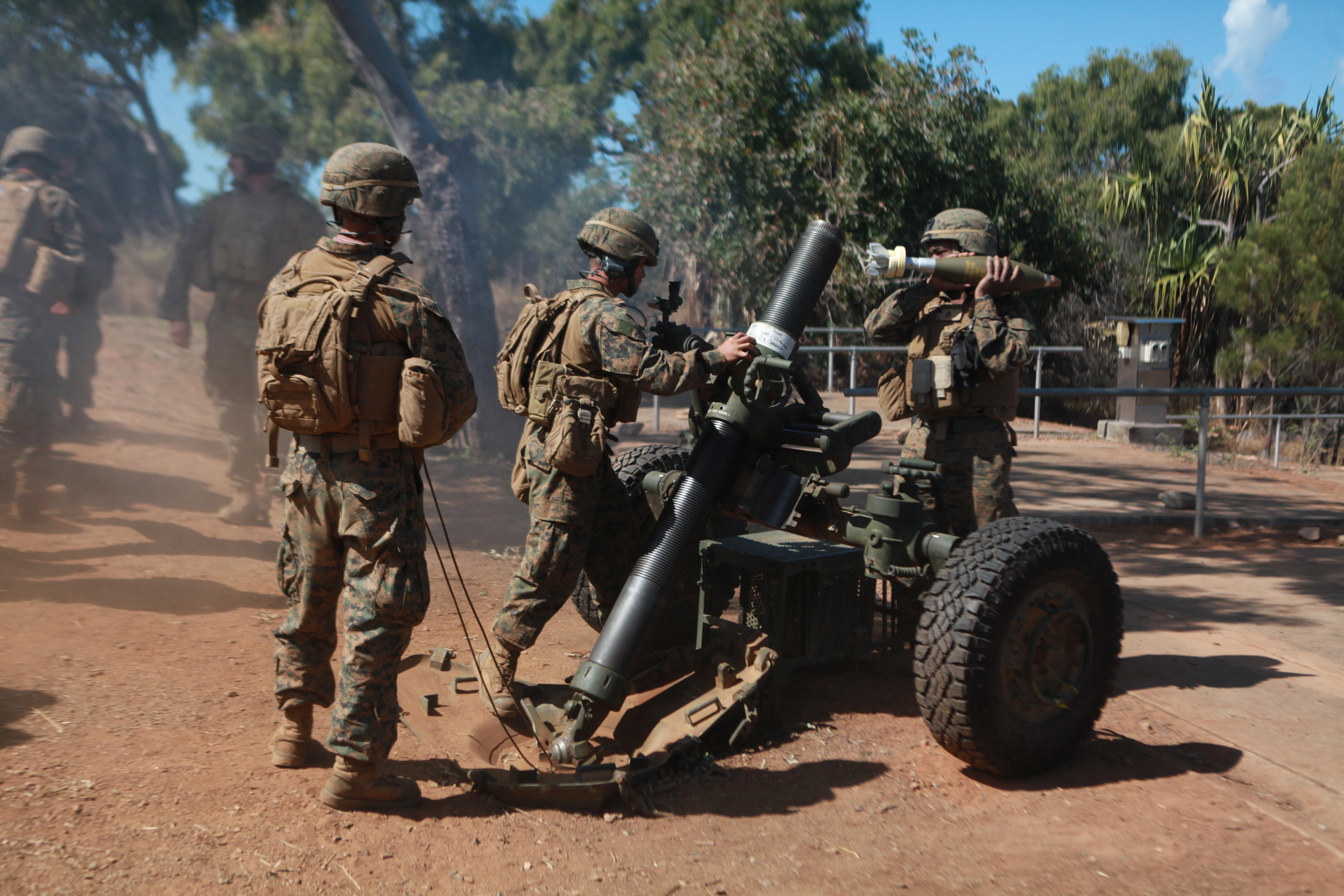 U S Army Heavy Mortar Platoon : Testing mortar skills in hills of australia gt st marine