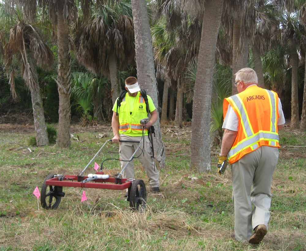 Digital geophysical metal detectors are used during the Remedial Investigation/Feasibility Study of the Mullet Key Formerly Used Defense Site (FUDS) at Fort DeSoto Park near St. Petersburg, Fla. The technology identifies buried metallic objects; crews then dig a select number of targets to further identify whether the objects are munitions-related or scrap metal. The Corps is complementing this effort for the first time on a FUDS by testing the use of explosive detection dogs that can locate buried explosive materials.