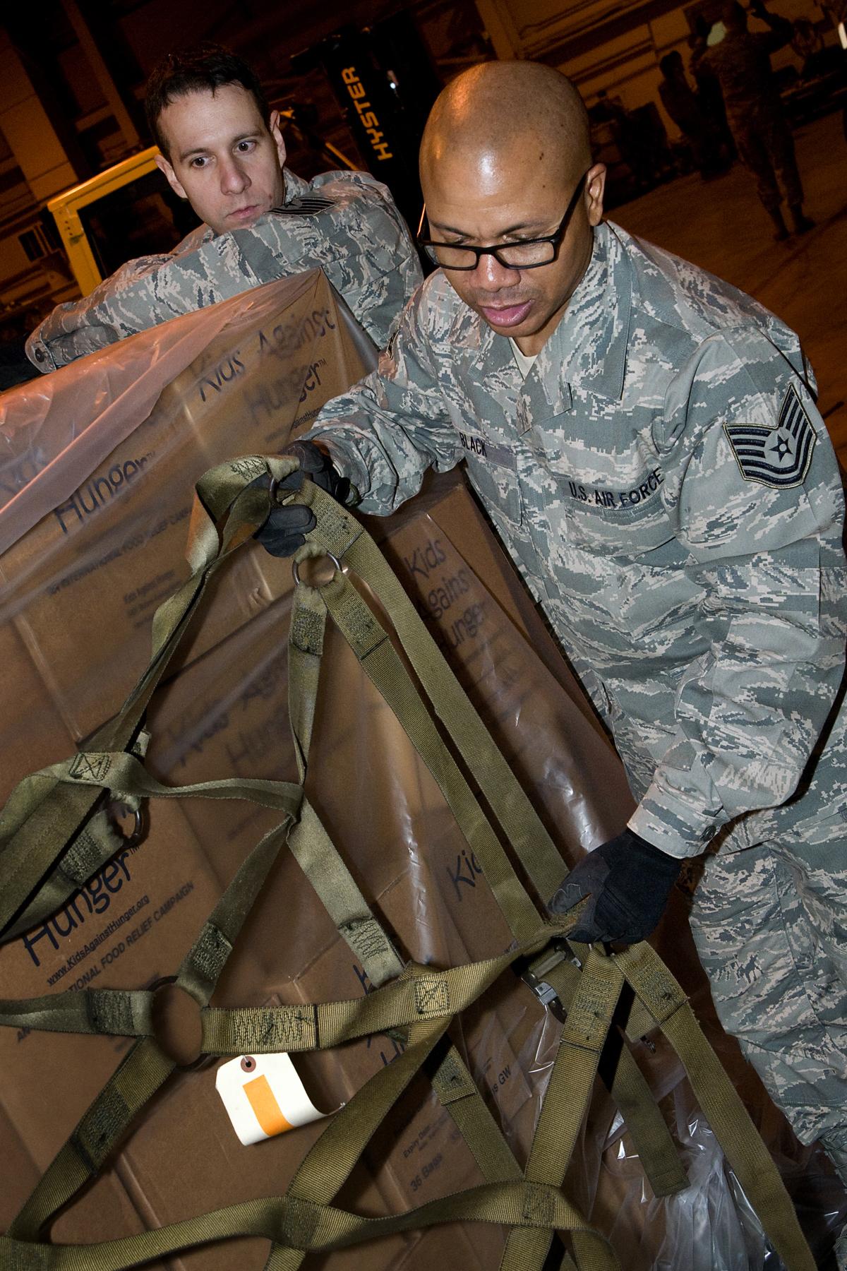 grissom afb black personals Grissom afb, ind -recently the  ideal f,3~ handheld radios, personals et2 3li,'e gree'l captjsaiai black __ 6$0 s cap738ba __  air force base.