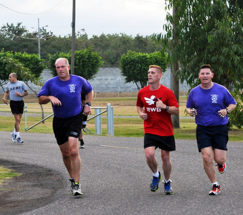 """Joint Task Force-Bravo members participated in the """"2013 Jingle Bell 5K Run & Walk"""" at Soto Cano Air Base, Honduras, Dec. 19, 2013. (Photo by Ana Fonseca)"""