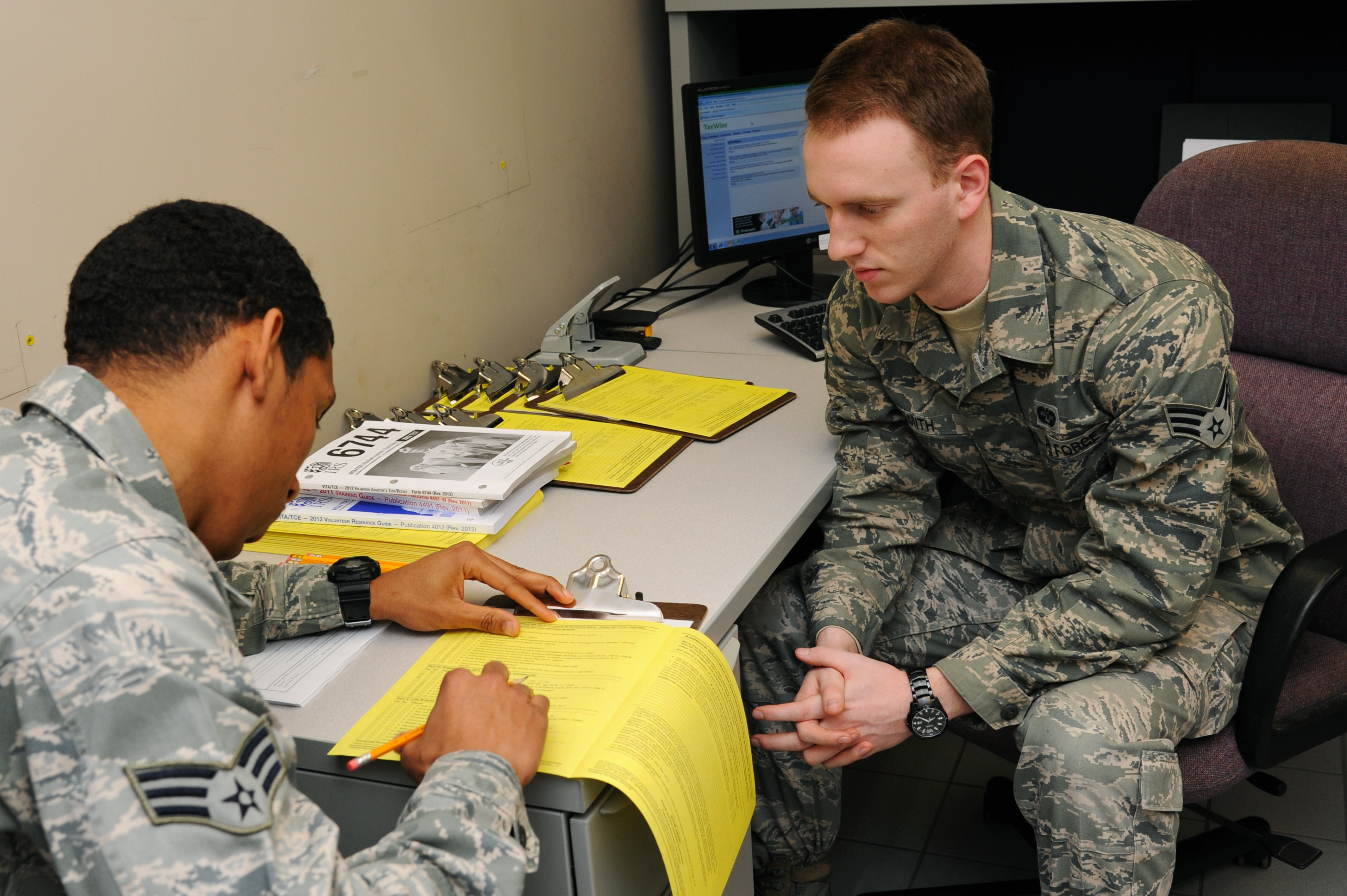 Jble Tax Centers Help Military Members, Families Save Money In Tax Filing  Costs