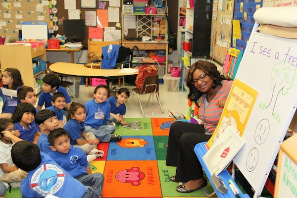U.S. Army Corps of Engineers Galveston District Civil Engineer Franchelle Craft served as a subject matter expert to students seeking to learn about African Americans in marine and coastal professions as part of Oppe Elementary Magnet Campus of Coastal Studies' upcoming Black History Month celebration. Students interviewed Craft to learn about the role science and math plays in her everyday career at the Corps for a poster project that will highlight the Galveston District employee. USACE Galveston District's Corps in the Classroom Program supports USACE' Science, Technology, Engineering and Mathematics (STEM) Program, pairing Army personnel and civil engineers with students to provide opportunities for students to learn about the engineering and science career fields, educate the community about the Corps' mission and highlight the district's contributions to the community, state and nation.