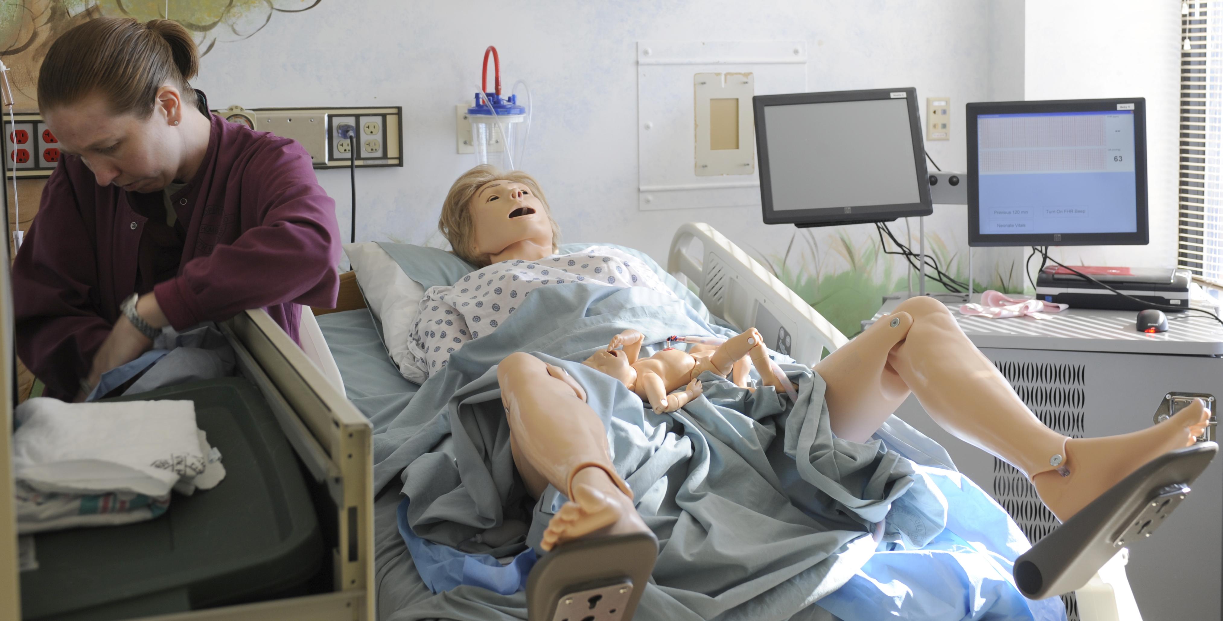 Simulator prepares medical staff for obstetric emergencies > U S