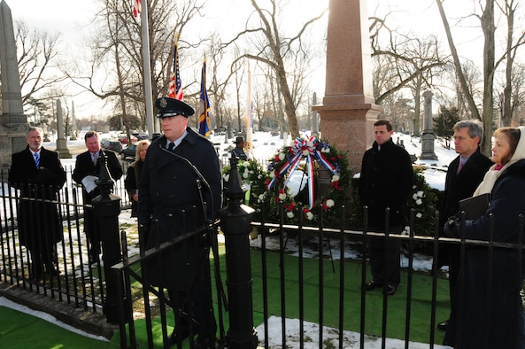 Col. Kevin Rogers, Maintenance Commander of the New York Air National Guard's 107th Airlift Wing, placed the wreath on behalf of President Barack Obama at Forest Lawn Cemetery in Buffalo, NY on Jan. 7, 2013 (Air National Guard Photo/Senior Master Sgt Ray Lloyd)