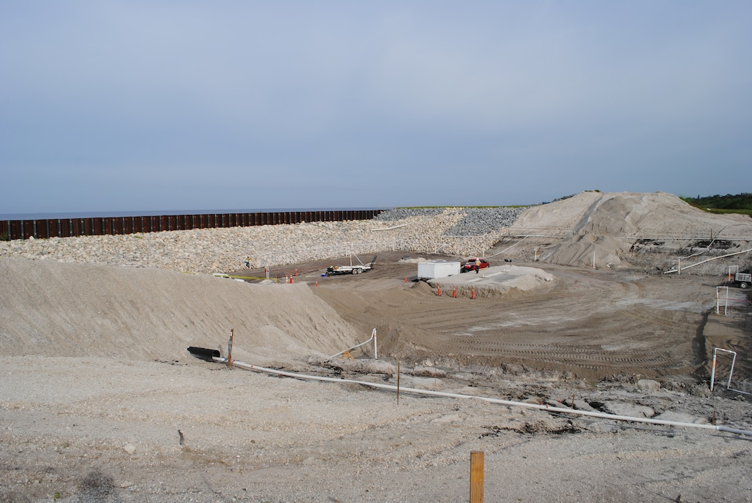 Work continues at the Culvert 11 site near Port Mayaca to replace a water control structure in Herbert Hoover Dike.  Thirty-two structures, dating back to the 1930s, are scheduled to be removed, replaced or abandoned.