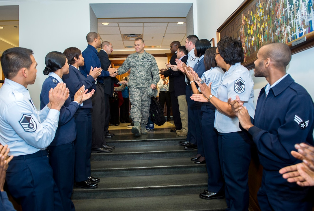 Chief Master Sgt. of the Air Force James Roy departs the Pentagon, Jan. 17, 2013, his last day in the building prior to his retirement and transition ceremony on Jan. 24. Roy is the 16th chief master sergeant of the Air Force. (U.S. Air Force photo/Jim Varhegyi)