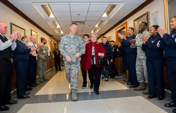 Chief Master Sgt. of the Air Force James Roy and his family depart the Pentagon, Jan. 17. 2013, on Roy's last day in the office prior to his retirement and transition ceremony on Jan. 24. Roy is the 16th chief master sergeant of the Air Force. (U.S. Air Force photo/Jim Varhegyi)