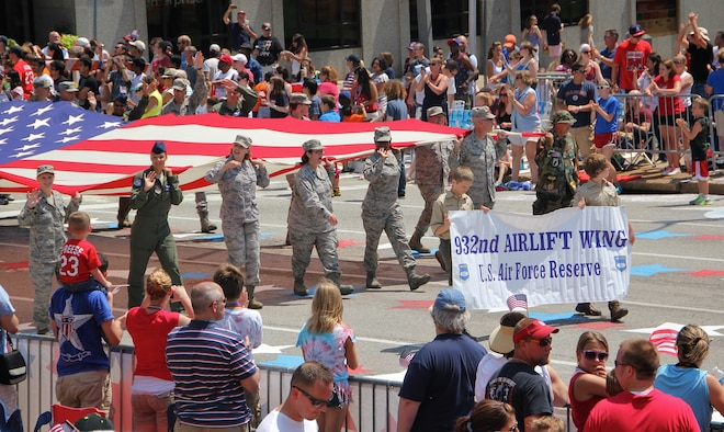 932nd Airlift Wing members march in the St. Louis 4th of July Parade.  (U.S. Air Force photo/Staff Sgt. Meiko Schill).