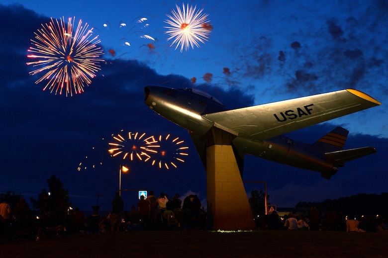 Fireworks explode over Spangdahlem Air Base, Germany, July 4, 2013. Community members gather to appreciate the members of the base and close out the Super Saber Appreciation Day celebration. (U.S. Air Force photo/Airman 1st Class Kyle Gese)