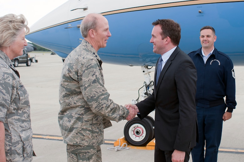 PEASE AIR NATIONAL GUARD BASE, N.H. – Acting Secretary of the Air Force Eric Fanning is greeted by Maj. Gen. William N. Reddel III, Adjutant General of the N.H. National Guard, upon his arrival here July 24 for a visit with members of the 157th Air Refueling Wing. During his visit, Fanning met with Airmen from the 157th Maintenance Squadron and 157th Medical Group as well as holding an Airman's call July 25 with base personnel where he discussed sequestration and sexual assault before fielding questions from Airmen. (Air National Guard photo by Tech. Sgt. Aaron Vezeau/RELEASED)