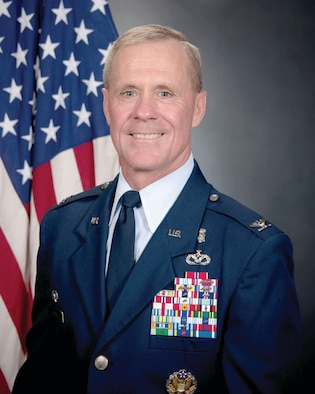 Col. Lorn Heyne, 65th Medical Group commander
