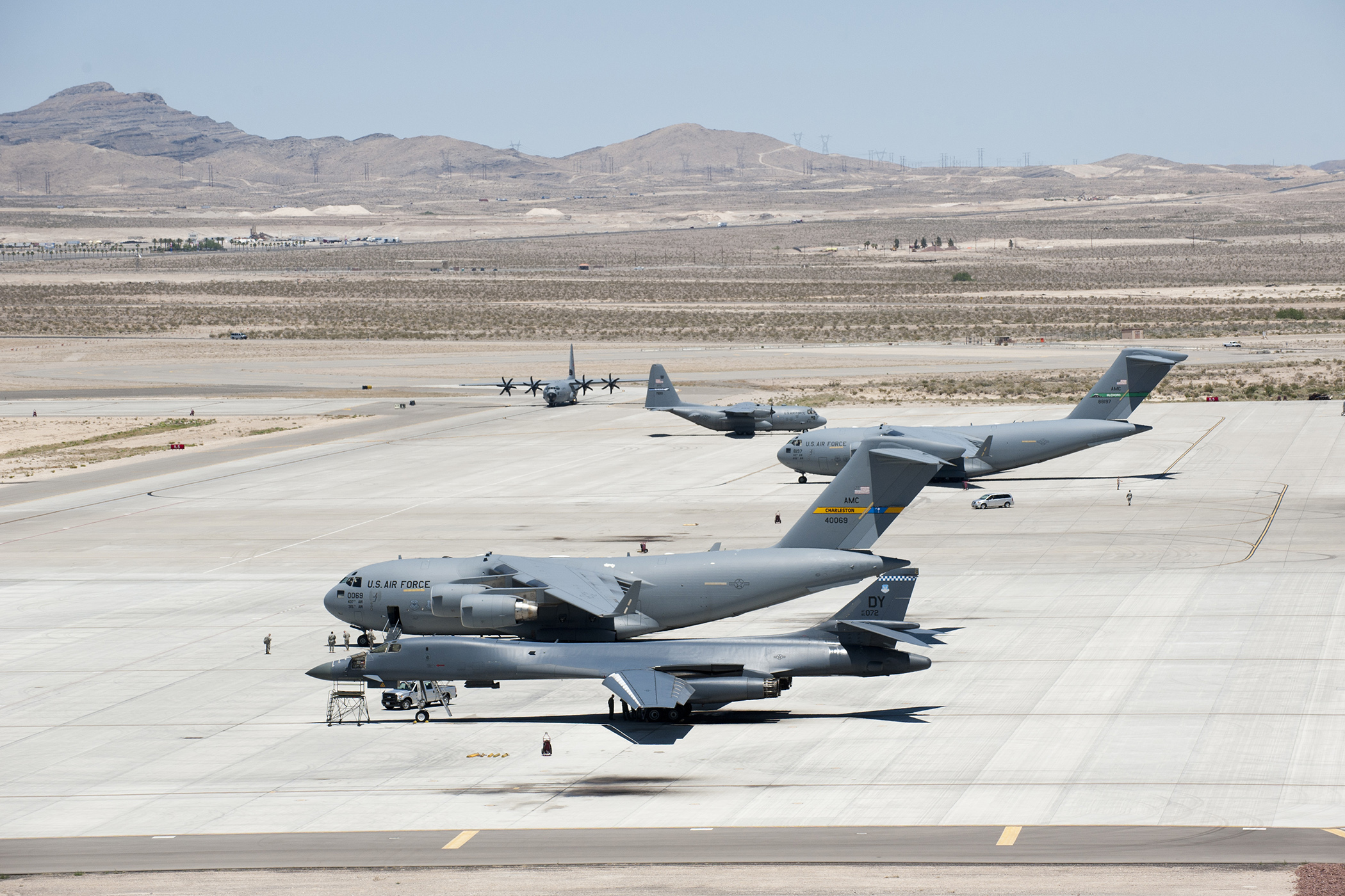 C5 Versus C17 An Assessment Of Airlift Options