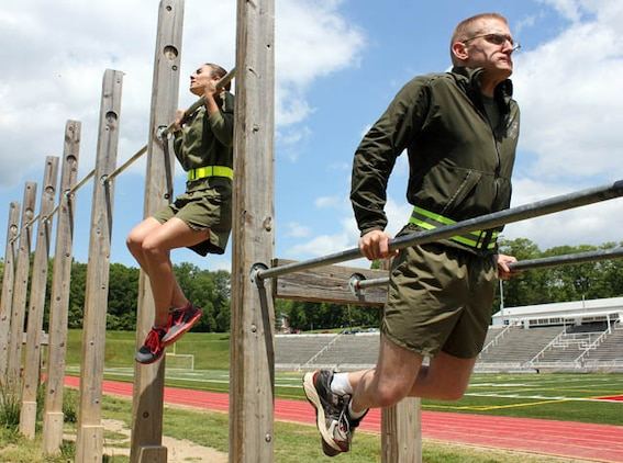 trainers show marines how to maximize outdoor pt marine corps base