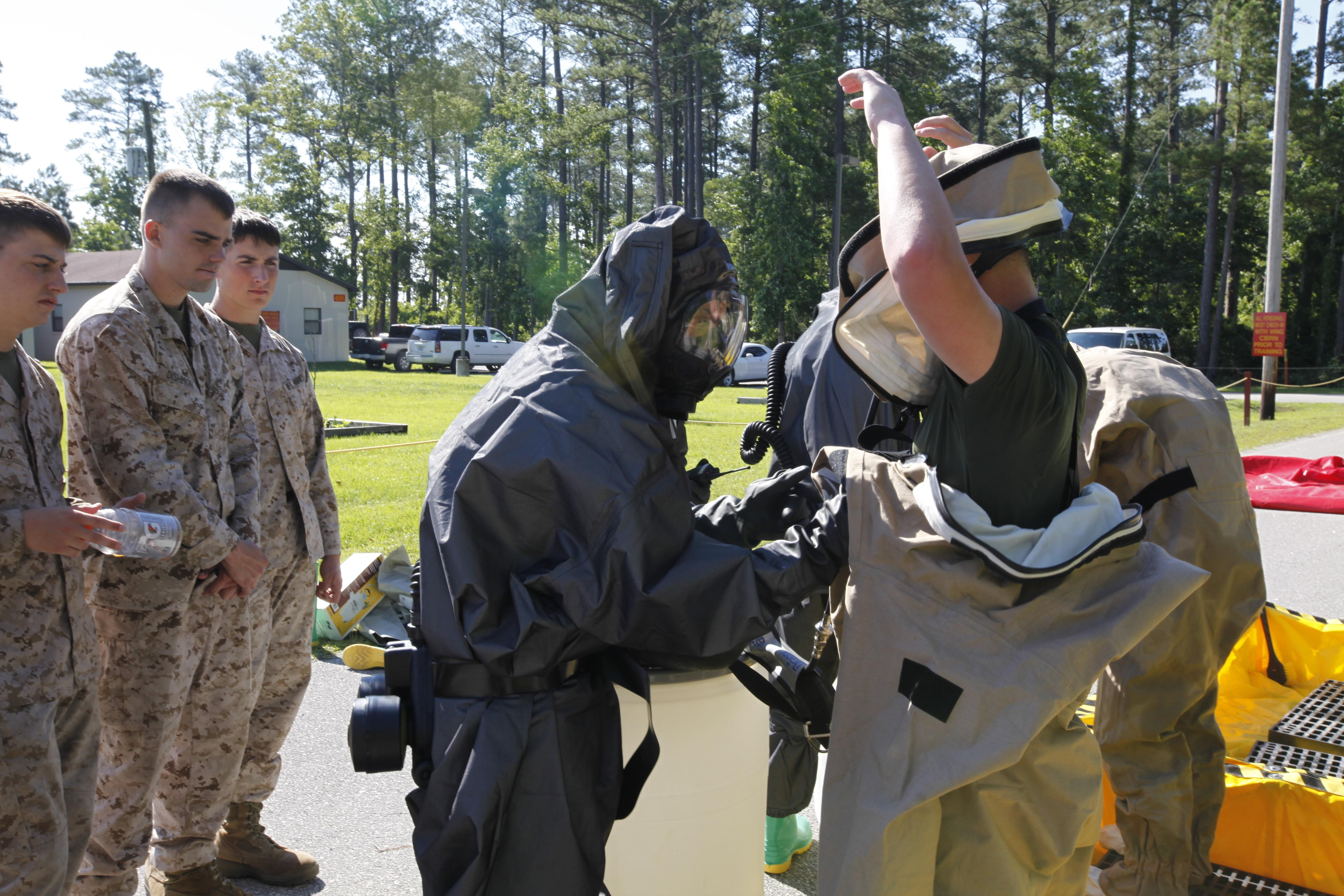 CBRN Marines respond to chemical warfare threat > Marine