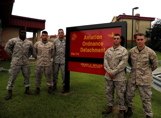Marines provide lifesaving care after traffic accident > U ...