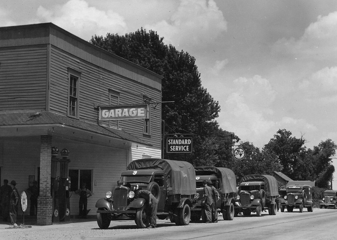 The filling station headquarters of the 110th Observation Squadron on Manchester Road, Saint Louis, circa 1923. (131st Bomb Wing file photo/RELEASED)