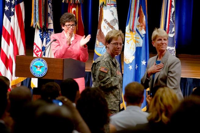 u s department of > photos > photo essays > essay view valerie jarrett a senior advisor to president barack obama recognizes army brig gen
