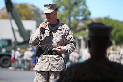 Lieutenant Col. Mark T. Donar, incoming commanding officer, 1st Maintenance Battalion, Combat Logistics Regiment 15, 1st Marine 