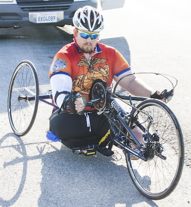 Michael Frazier, a cyclists and wounded warrior with Team Walter Reed Bethesda from Lower Burrell, Penn., prepares himself to cover five miles through the desert heat during the 32nd Annual Race Across America, June 19. Michael Frazier joined Team Walter Reed Bethesda to face a new challenge with fellow wounded warriors.