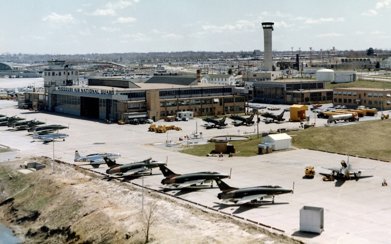 """Republic F-84F """"Thunderstreaks"""" and North American F-100C """"Super Sabres"""" of the 131st Light Bombardment Wing, Missouri Air National Guard,  parked at Robertson Field, Saint Louis, 1962.  (131st Bomb Wing file photo/RELEASED)"""