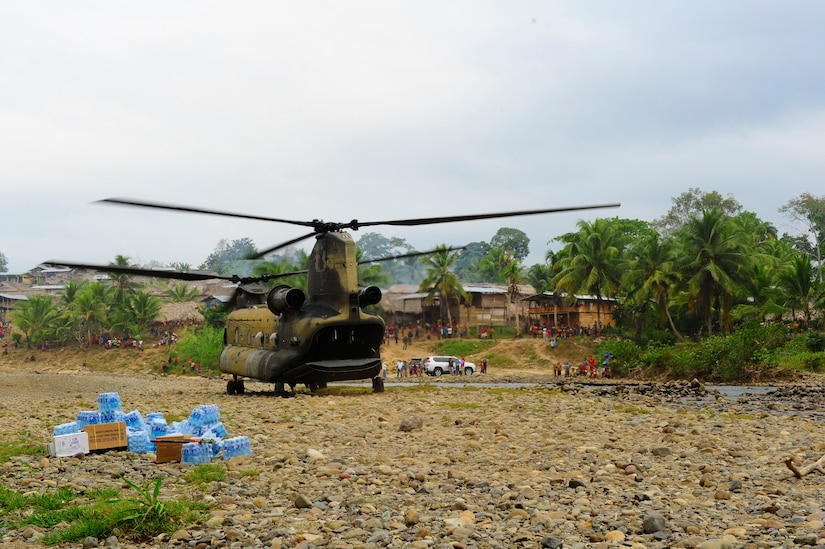 A U.S. Army CH-47 Chinook shuts down its engines after arriving for a Medical Readiness Training Exercise in Uala, Panama Feb. 26, 2013. Joint Task Force-Bravo conducted a combined four-day MEDRETE in two villages in the Darien region, partnering with the Panamanian Ministry of Health, Panamanian Ministry of Education and Servicio Nacional de Fronteras to deliver general medical and dental care to local residents. (U.S. Air Force photo by Capt. Rebecca Heyse)