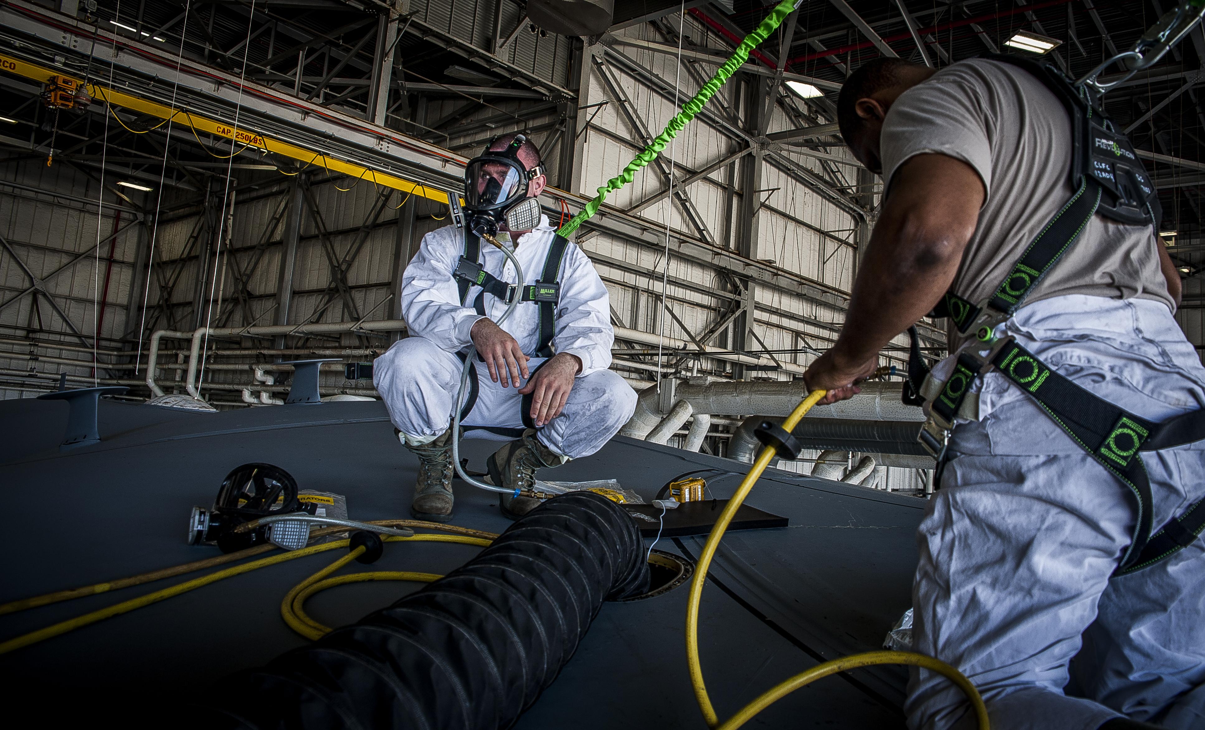 airmen make dirty job look spotless  u0026gt  joint base