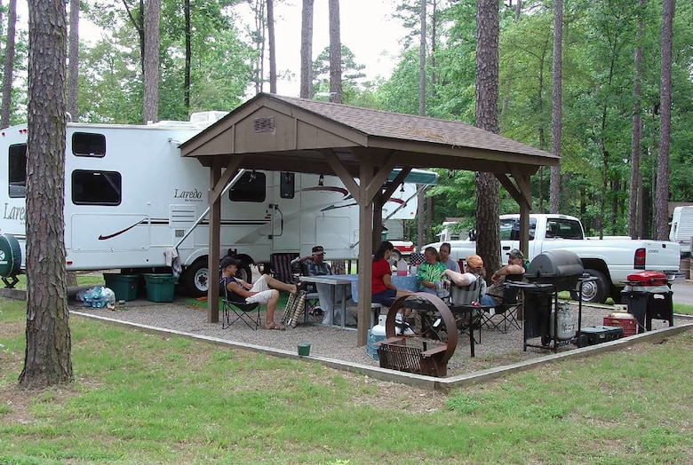 Campers enjoying one of the many campsites at Nimrod Lake near Plainview Ark.